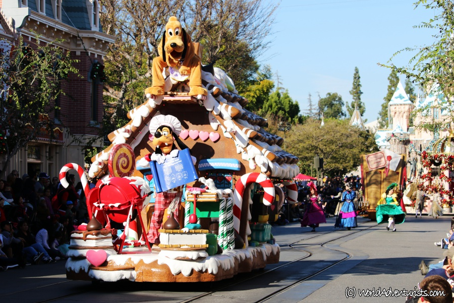 disneychristmasparade11