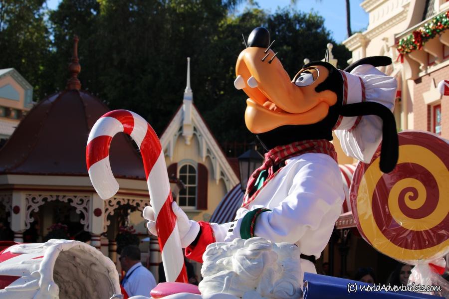 disneychristmasparade12