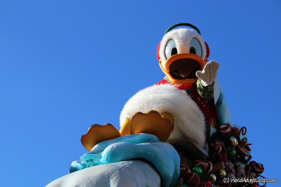 disneychristmasparade4