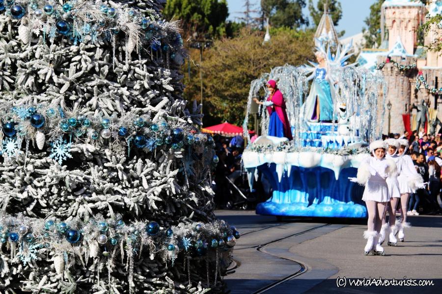 disneychristmasparade8